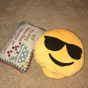 emoji pillow change faces & small pillow decor
